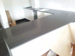 blaty kuchenne z konglomeratu kwarcowego Crystal Anthracite